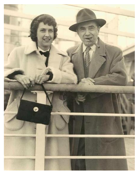 Bela & Lillian Arrive in England